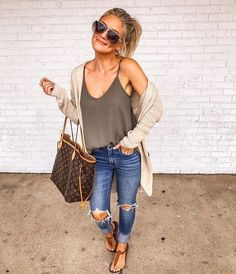 49 Cool autumn outfits that always look fantastic for women - Outfit ideen - Modetrends Look Fashion, Fashion Outfits, Womens Fashion, Fashion Trends, Fashion Ideas, Fashion Lookbook, Woman Outfits, Beach Fashion, Fashion 2018