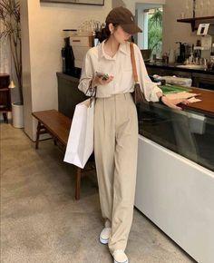 Korean Casual Outfits, Korean Outfit Street Styles, Cute Casual Outfits, Pretty Outfits, Korean Girl Fashion, Asian Fashion, Look Fashion, Kpop Fashion Outfits, Mode Outfits