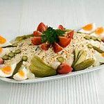 Zalmsalade - Recepten en kooktips voor klassieke gerechten en ingredienten Salad Wraps, Dutch Recipes, What To Cook, Other Recipes, High Tea, No Cook Meals, Tapas, Salad Recipes, Potato Salad