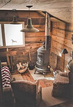 Stove in the cabin - Poele à bois dans la cabane. Stove in the cabin - Wood stove Tiny Cabins, Tiny House Cabin, Log Cabin Homes, Cabins And Cottages, Cozy House, Log Cabins, Cozy Cabin, Cabins In The Woods, Home Design