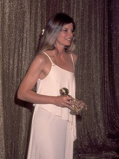 Katharine Ross at the 34th Annual Golden Globe Awards on January 29, 1977 Golden Globe Award, Golden Globes, Katharine Ross, Actors & Actresses, Red Carpet, Ball Gowns, How To Memorize Things, White Dress