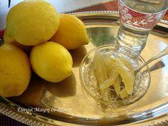 Γλυκό κουταλιού Λεμόνι υλικά για κάθε 25 φέτες από το λεμόνι 1 κιλό ζάχαρη 2 ποτήρια νερό 1/2 λεμόνι τον χυμό εκτέλεση Πλένουμε πολύ καλά τα λεμόνια με ένα βουρτσάκι και ξύνουμε γύρω γύρω με έναν τρίφτη ψιλό. Κόβουμε λίγο στο πάνω και κάτω μέρος τη φλούδα σαν καπάκι όσο χρειάζεται ώστε να είναι καθαρή … Pastry Cake, Lime, Food And Drink, Pudding, Yummy Food, Sweets, Cheese, Fruit, Drinks