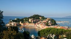 Liguria is a narrow strip of land, enclosed between the sea and the Alps and the Apennines mountains, it is a winding arched extension from Ventimiglia to La Spezia and is one of the smallest regions in Italy. #essenzadiriviera