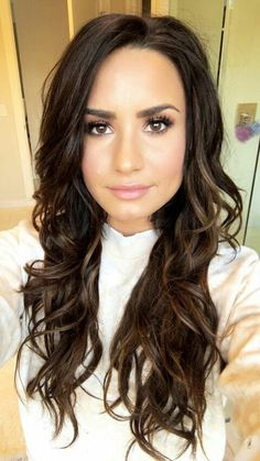 Camp Rock, Thalia, Demi Lovato Pictures, Sweet Hairstyles, Super Long Hair, Stunningly Beautiful, Beautiful Women, Queen, Makeup Looks