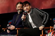 David Tennant and Michael Sheen looked excited as they promoted the hotly anticipated drama at Comic-Con in New York City on Saturday. Michael Sheen, David Tennant, Amazon Prime Original Series, Good Omens Book, Christopher Eccleston, Rory Williams, Terry Pratchett, Peter Capaldi, Doctor Who