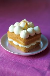 Harney & Sons Paris tea cake with mascarpone cream cheese icing