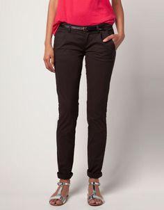 Pantalón BSK detalle cinturón  Precio:19,99€  Ref.5200/019