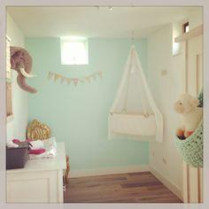 #blue #baby #girl #kids #kidsroom #nursery #interieur #hangwieg