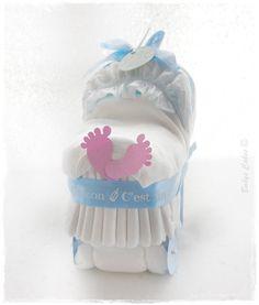 cadeau de naissance mini landau de couches fille babys cakes cadeaux naissance. Black Bedroom Furniture Sets. Home Design Ideas