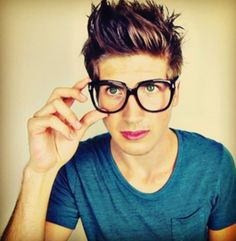 Joey Graceffa. His eyes are orgasmic balls of perfection they are so fucking perfect perfect isn't enough to describe their perfectioness.