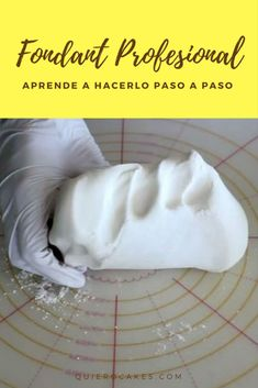 How to make professional fondant easy and fast Today Natalia te most … - Cake Decorating Simple Ideen Fondant Cupcakes, Fondant Rose, Fondant Flowers, Fun Cupcakes, Cupcake Decoration, Fondant Decorations, Pastry Art, Pastry And Bakery, Cake Decorating Techniques