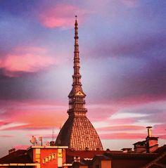 Torino al nascere del sole. Via Matteo Pescatore, vista da casa