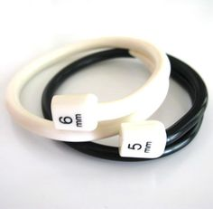 Items similar to Knitting Needle Bangles - Black and White Set Original Design on Etsy Diy Knitting Needles, Knitting Room, Arm Knitting, Knitting Patterns, Jewelry Tools, Jewelry Crafts, Jewelry Design, Beaded Jewelry, Unique Jewelry