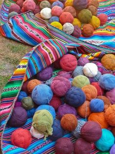 Peru textiles: when we do our next motorbike trip to south america, this is… World Of Color, Color Of Life, Foto Picture, Peruvian Textiles, Guatemalan Textiles, Inka, Peru Travel, South America Travel, Latina