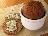 Icelandic Thunder Bread - An Icelandic Recipe for Steamed Rye Bread