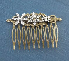 Snowflake Hair Comb Winter Bride Hair Comb Snowflake Hair Clips Vintage Snowflakes Hair Pin Classic Hair Christmas Hair Comb Winter Hair by SmittenKittenKendall on Etsy