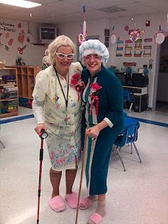 HAHAHAH dress up like you're 100 years old for the 100th day of school! We should do this at our school!