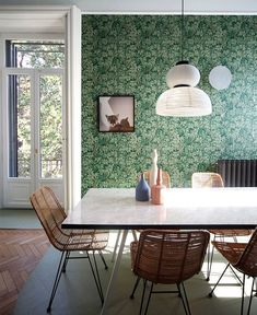 Relationship with nature and memories of space were the driving concepts behind this whimsical Milan apartment renovation by Marcante-Testa. Milan Apartment, Deco Restaurant, Mid Century Dining, Green Home Decor, Apartment Renovation, Interior Decorating, Interior Design, Hall Interior, Luxury Interior