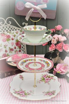 Visit Cake Stand Heaven's Online China Boutique for beautiful hand crafted cake stands and English bone china tea sets. Our charming and ...