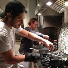 Love men that can cook (that's why I married one! Brad Richards and Steve Eminger - New York Rangers Brad Richards, Hockey Pictures, Cook Cook, New York Rangers, Fine Men, Ice Hockey, Broadway, Entertaining, Models