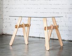 TRESPATAS Pareja de caballetes de madera