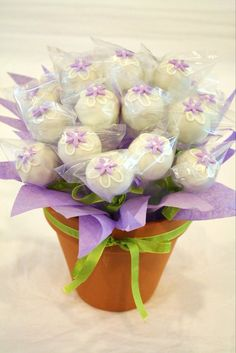 cake ball bouquet @Niki Kinney Tomlinson or display like this?
