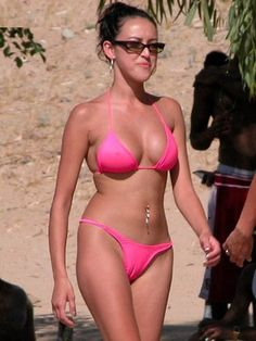 The Best Camel Toes Caught On #Camera See more on Party Issues (@PartyLikeM) | Twitter