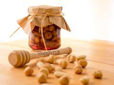 Buonissima, velocissima, facilissima, perfetta anche come regalo di Natale la frutta secca nel miele! Io però la mangio tutto l'anno...!