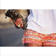 ZARA - Aztec print shorts NWT NWT. SOLD OUT. Size medium. Super cute Zara Aztec print short. Price is firm. Bundle to save... Zara Shorts