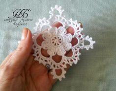 One miniature crochet square doily 4 cm, dollhouse min Filet Crochet, Beau Crochet, Crochet Wool, Thread Crochet, Love Crochet, Crochet Motif, Irish Crochet, Beautiful Crochet, Crochet Doilies