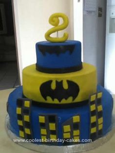 Image from http://www.coolest-birthday-cakes.com/images/coolest-batman-birthday-cake-design-54-21519116.jpg.