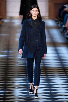 Tommy Hilfiger Fall 2013 Ready-to-Wear Runway - Tommy Hilfiger Ready-to-Wear Collection - ELLE