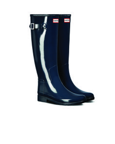 Hunter Women's Original Refined Gloss Rain Boots: Navy - Us 11 Hunter Boots Store, Rainy Day Fashion, Warm Socks, Wellington Boot, Outerwear Women, Snow Boots, Rubber Rain Boots, Vintage Outfits, The Originals