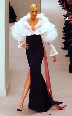 Nadja Auermann. Chanel runway  i love this dress
