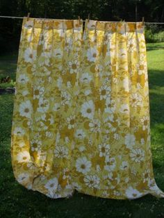 """Vtg. 1 Pair Pleated Drapes/Curtains/Fabric Gold/White/Floral ~ 74-1/2"""" L x 41"""" W"""