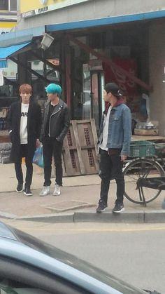 Jae, Junsu and Yoochun hanging out!
