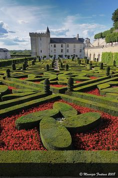 gardens and castles of villandry | The Castle and Gardens of Villandry France via flickr by Maurizio ...