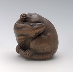 Rat grooming netsuke. Japanese. Edo period. early to mid-19th century Ichimin (Japanese, 1818–1829 Japanese)
