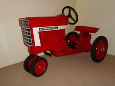 Vintage ERTL Toy International Harvester Tractor Pedal Car
