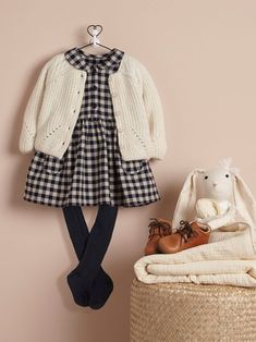 Best No Cost sewing baby girl Tips Baby Mädchen schaut, Herbst Winter Baby-Kollektion . Baby Outfits, Outfits Niños, Baby Girl Party Dresses, Cute Girl Dresses, Little Girl Outfits, Little Girl Fashion, Toddler Girl Style, Toddler Girl Outfits, Toddler Fashion