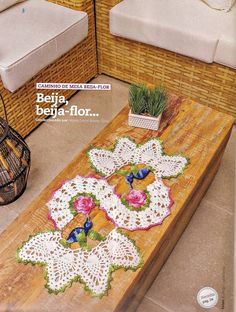 """Crochet doily """"s"""" style ❤️LCD-MRS❤️ with diagrams --- Caminho De Mesa Em Crochê Beija-Flor - CROCHE COM RECEITAS"""