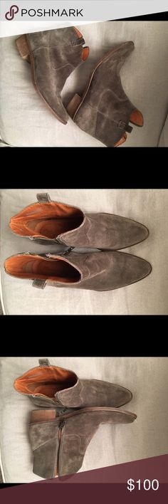 Madewell size 8 1/2 western ankle boots Madewell suede western ankle boot. Great condition! Bought for $220. Madewell Shoes Ankle Boots & Booties