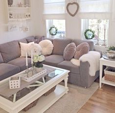 Having small living room can be one of all your problem about decoration home. To solve that, you will create the illusion of a larger space and painting your small living room with bright colors c… Mauve Living Room, Living Room Grey, Small Living Rooms, Home Living Room, Apartment Living, Living Room Designs, Living Room Decor, Mauve Bedroom, Apartment Furniture