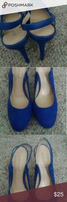 Lady's Heels Blue Heels  Size 6 like new Shoe Dazzle Shoes