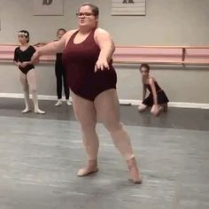 Loli Humor: The best ballerina in the world Old Fat, Best Funny Pictures, Weight Loss Tips, Role Models, Make Me Smile, Exercise, People, Gymnastics Videos, Tumbling Gymnastics