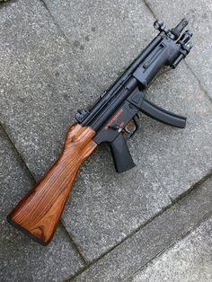 Guns I like ,gear I like ,simple. Weapons Guns, Guns And Ammo, Surplus Militaire, Battle Rifle, Submachine Gun, Custom Guns, Military Guns, Cool Guns, Assault Rifle