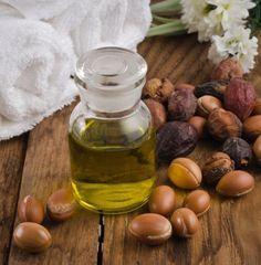 Truques de beleza com óleo de argan. O argan é uma árvore de procedência marroquina que nos dá seu óleo, um remédio natural muito popular por ter grandes quantidades de vitamina E e nutrientes perfeitos para hidratar nossa pele e cabelo....