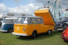 I've never seen a tilt bed before this one.    Crew cab tipper by Ronald_H, via Flickr