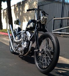 shovelhead on the street Harley Davidson Street, Harley Davidson Motorcycles, Custom Motorcycles, Custom Bikes, Cars And Motorcycles, Motorcycle Icon, Motorcycle Tank, Chopper Parts, Old Cycle