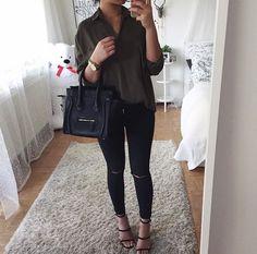 Jean noir + blouse kaki